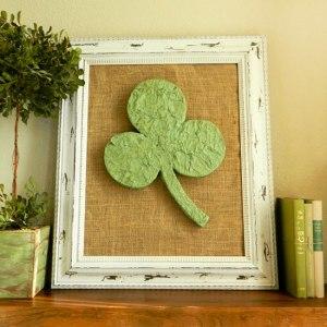 clover mantel decoration